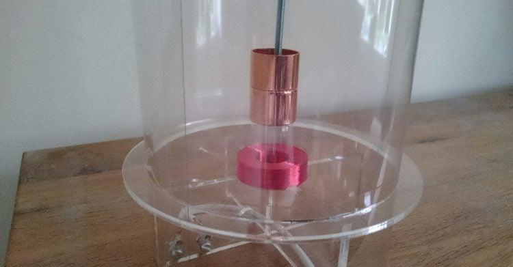 Slinky Seismometer System